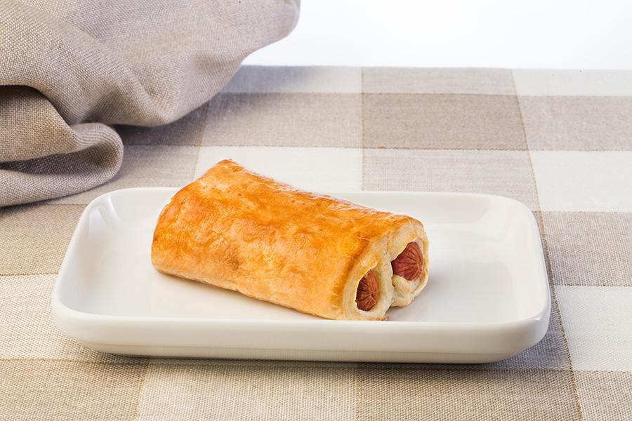 Cannobello Peccati di Gola: Leggera e friabile pasta sfoglia che avvolge 2 wurstel di carni bianche